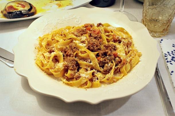 Pasta Con Ragù A La Bolognese (pasta A La Boloñesa)