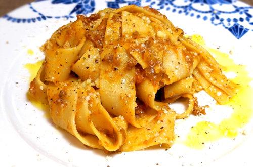 Pasta con salsa boloñesa vegana